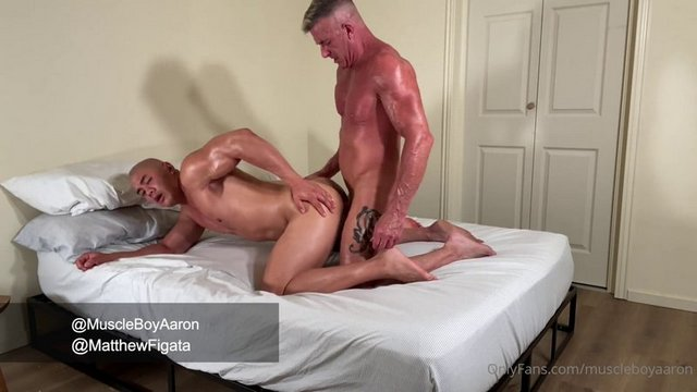 Matthew Figata with another muscle stud, but ends up being the bottom bitch! I like to go somewhere warm when winter arrives. I hate cold weather.