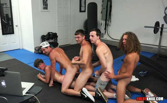 Welcome to part deaux of the ColbyKnox's gym 5-way fuckfest. Levi Hatter is on his stomach, taking all of Colby Chambers' cock. Troye Jacobs is on his hands and knees. Behind him is Jack...
